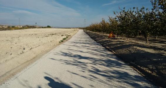 Mejora en los caminos rurales y de servicio en Murcia